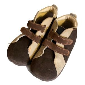 Robeez Brown & Tan Suede Booties - Size 20 to 24M
